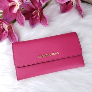 🌺NWT Michael Kors LG trifold wallet electric pink
